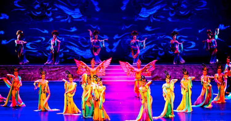 京剧《丝路花木雨》在中国的巡演