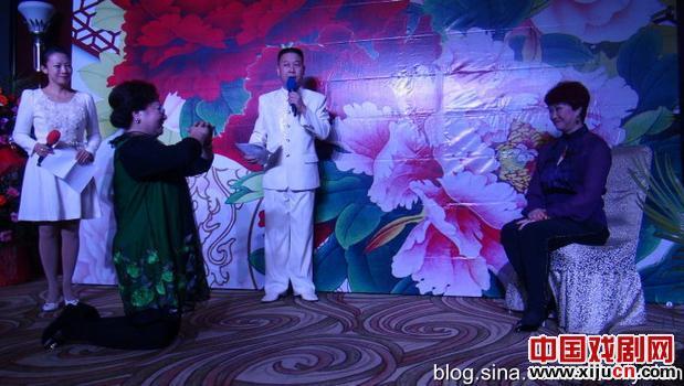 热烈祝贺评剧艺术家宋丽成功接待艺术四十周年弟子刘丹