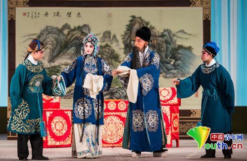 11月底,国家京剧剧院的经典京剧《宝莲灯》正式上演。
