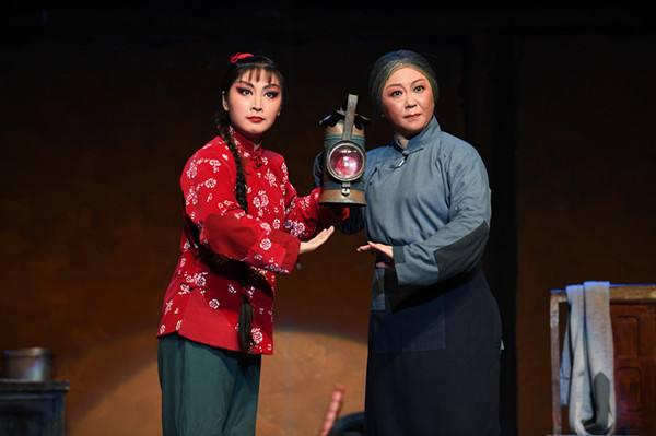 现代京剧《红灯记》将于25日在鲁国上演。