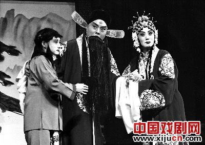 倪茂才带着著名的高中戏剧《孙安活版》再次来到北京