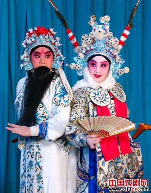河北著名京剧演员赵玉华获得在石家庄梨园剧院举行的第25届中国戏剧梅花奖座谈会