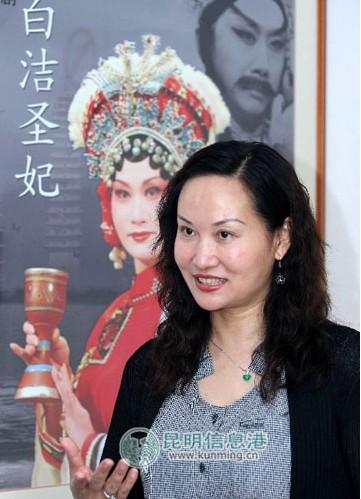 云南京剧剧院导演胡春华实现了云南几代京剧表演艺术家的梅花梦。