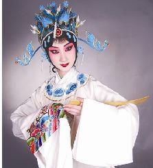 北京京剧80后新人上演了《法门寺》和《谢瑶环》的全版