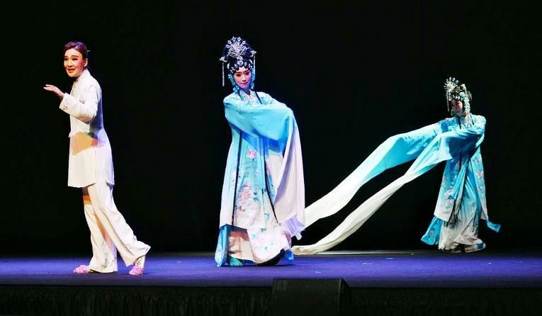 隔海相望的青衣梦——现代京剧《青衣》感动了台湾观众