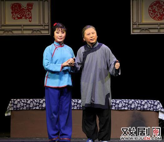 魏云和李京与中国平剧剧院王丽京等共同打造相声和平剧《杨三姐》,在保利剧院演出