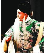 中国京剧多年来未能深刻全面地理解传统艺术的精神。