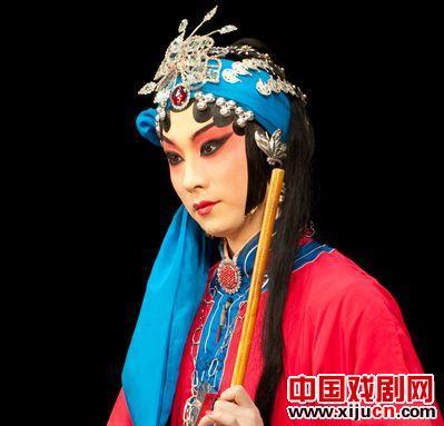 国家京剧剧院在除夕上演京剧《玉堂之春》。