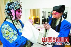 京剧在春节期间很受欢迎。