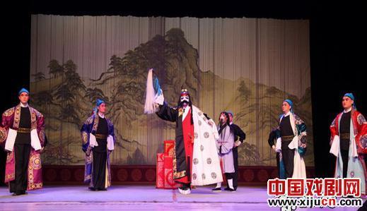 著名的吴张生林友教王海龙,黑龙江京剧剧院的年轻演员,吴胜的著名戏剧蜈蚣岭。