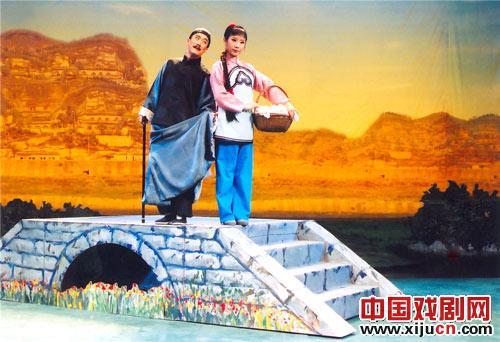 评剧的新《刘巧儿》因其丰富的表演元素而受到好评