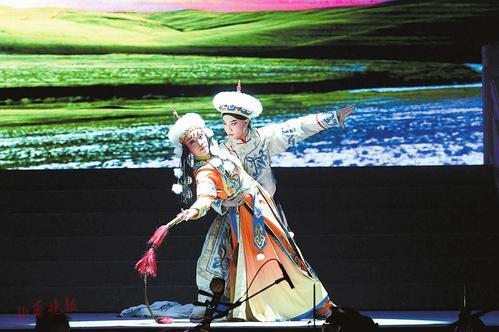 山西金剧院新创金剧《小庄龙歌》在山西财经大学演出