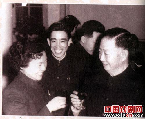 著名京剧表演艺术家、教育家张郑方荣获京剧艺术家终身成就奖。