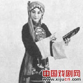 顾正秋:蒋经国生活中有些女人追不上她。