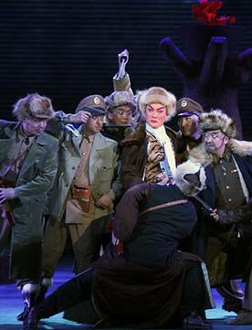 7月22日,长安大剧院上演了现代戏剧《智取虎山》