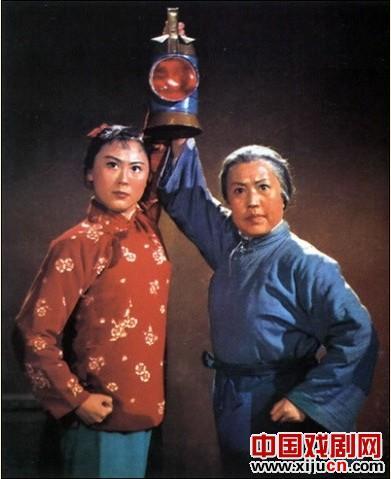 那一年,我表哥加入了京剧团。