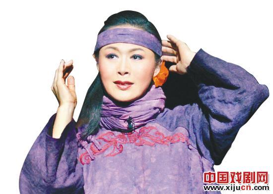 """冯玉萍成为""""三个梅子奖""""的第七个获奖者"""