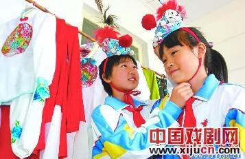 300多名教师专注于京剧培训