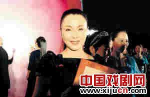 曾昭娟:平居是我的妈妈。她养育我,滋润我,让我成功。