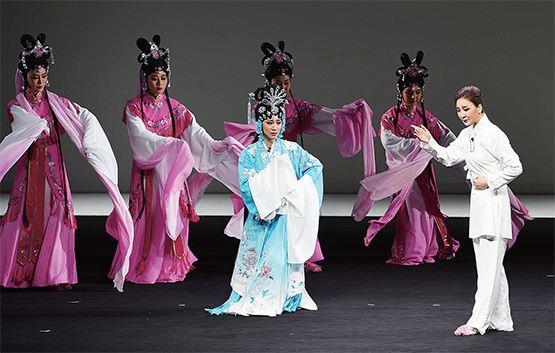 2017年中国台州梅兰芳艺术节大型京剧话剧《青衣》首演
