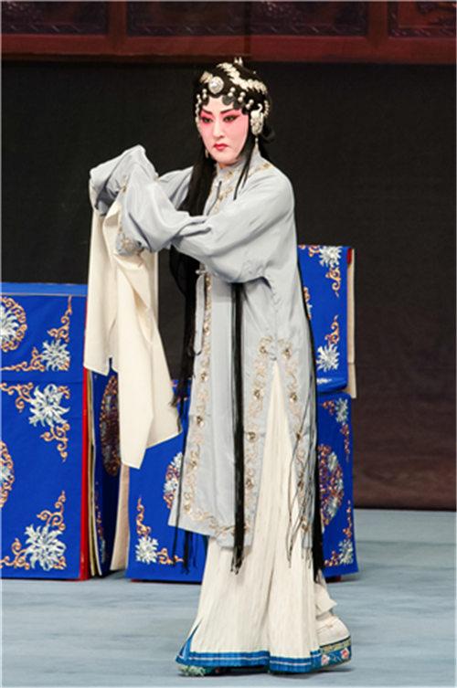 平剧《烧骨》在天津冀州剧院上演