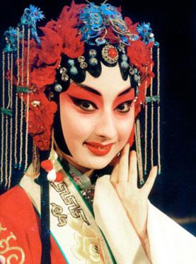7月24日,长安大剧院上演了京剧《索林胶囊》