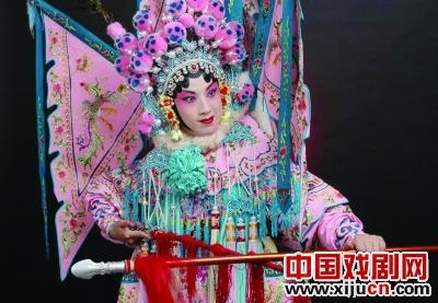 """京剧布鲁斯和乌丹""""费阳燕舞庆祝中国年""""杨燕专场开演""""搏击"""""""