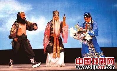 《春寒料峭》又开始了,李春平将现代京剧《红灯记》演成了《李昱和》