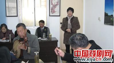"""扬州新闻票房、戴春林京剧团和扬州报社记者京剧团联合举办""""非物质文化遗产""""庆典演出"""