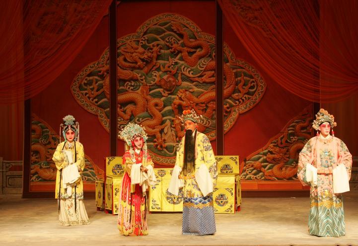 天津平剧剧院在天津滨湖剧院上演平剧《打金枝》