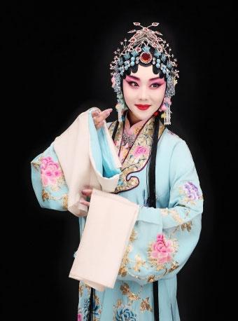 京剧《凤还巢》今天在长安大剧院演出