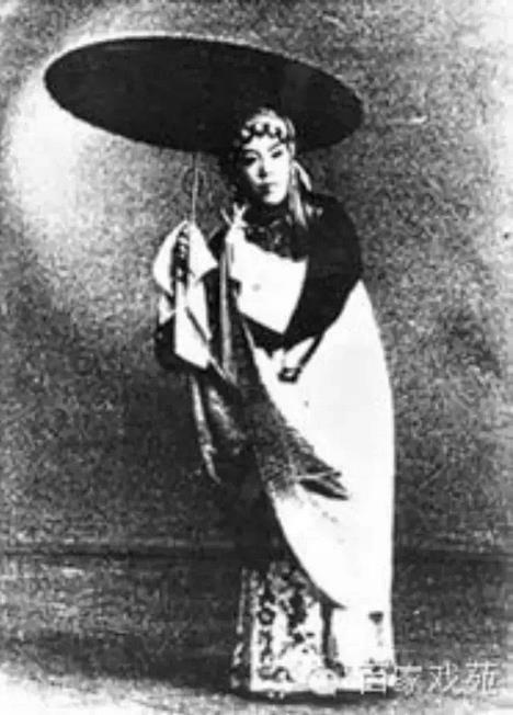 数百家剧院完成了对山西歌剧《小排》的评论和音乐会的录音。