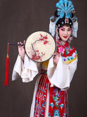 京剧《谢瑶环》于23日在长安大剧院上演。