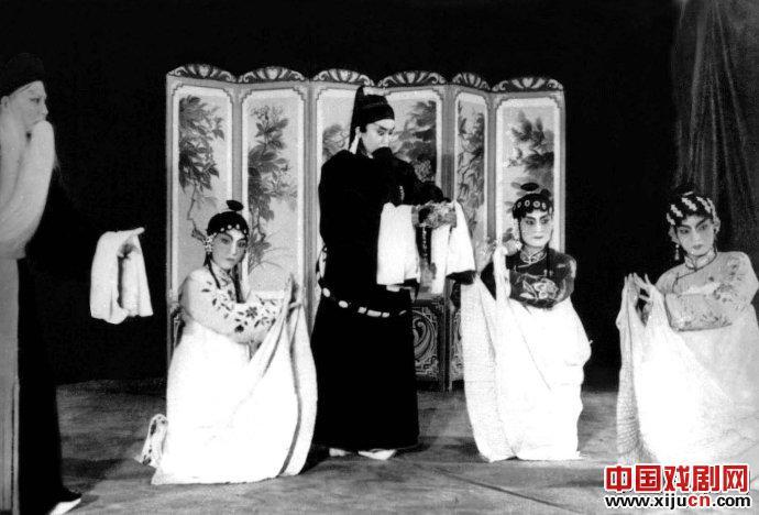评李月仙在《鲁花河》中的表演