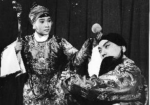 《四郎探望母亲》揭示了多年来被禁的传统老戏
