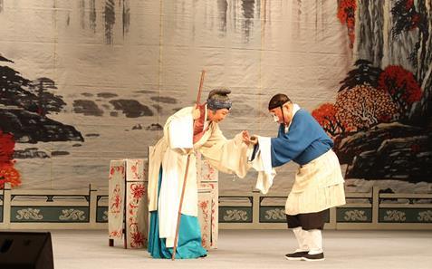 国家京剧剧院在新疆有一个知心朋友