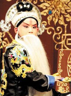 京剧天才杨韬与表演公司有许多冲突