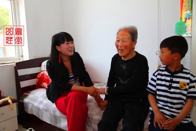 在爱心志愿者侯春燕的影响下,梦剧场的朋友们将一起走进南楼养老院表示哀悼。