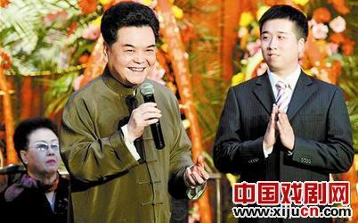 著名京剧艺术家杨乃彭欢迎天津京剧剧院的年轻演员唐云路作为弟子。