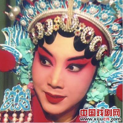 """""""迷人的春天""""年轻京剧演员挑战赛:京剧《虹桥送珠》、《红桃山》和《锯圆柱》"""