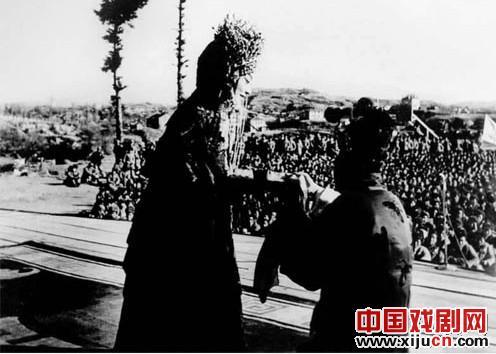 过去:梅兰芳带领著名京剧演员去朝鲜