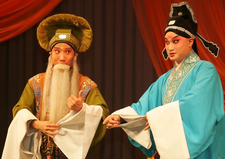 天津平剧剧院上演平剧《刘玲醉九》、《白蛇传》和《包公道歉》