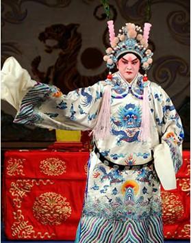 长安大剧院于3月25日上演了京剧《英雄会议》。