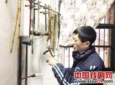 """李成祥,一个不卖京剧的""""业余""""京剧爱好者,""""如果接触到金钱的味道,就会感觉不一样。"""""""