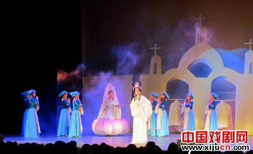 甘肃京剧团改编的大型童话京剧《野天鹅》震惊了墨西哥观众。