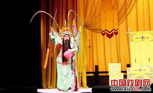 听正宗的七拍京剧,著名的七拍京剧艺术家裴勇杰将领衔七拍名剧《斩波器堂》和《徐策奔城》