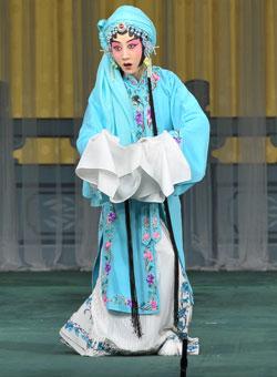 一群来自国家京剧剧院的杰出青年演员表演了京剧《索林胶囊》