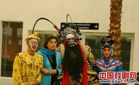天津京剧剧院的欧洲巡演开始火爆,《少男少女》甩了法国观众