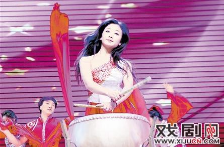 中央电视台戏剧频道《欢乐花园》去宝坻录制《走进宝坻综艺音乐会》,充分发挥平剧风格