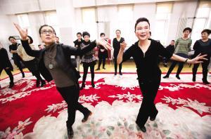 天津平剧剧院上映曾昭娟主演的《红高粱》